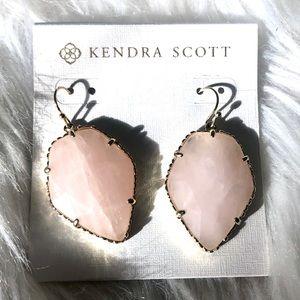 NEW Kendra  Scott Corley Rose Quartz w/ gold